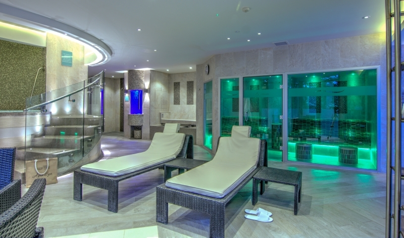 Swimming pool aqua spa crylla valley cottages crylla valley cottages for China fleet club swimming pool prices
