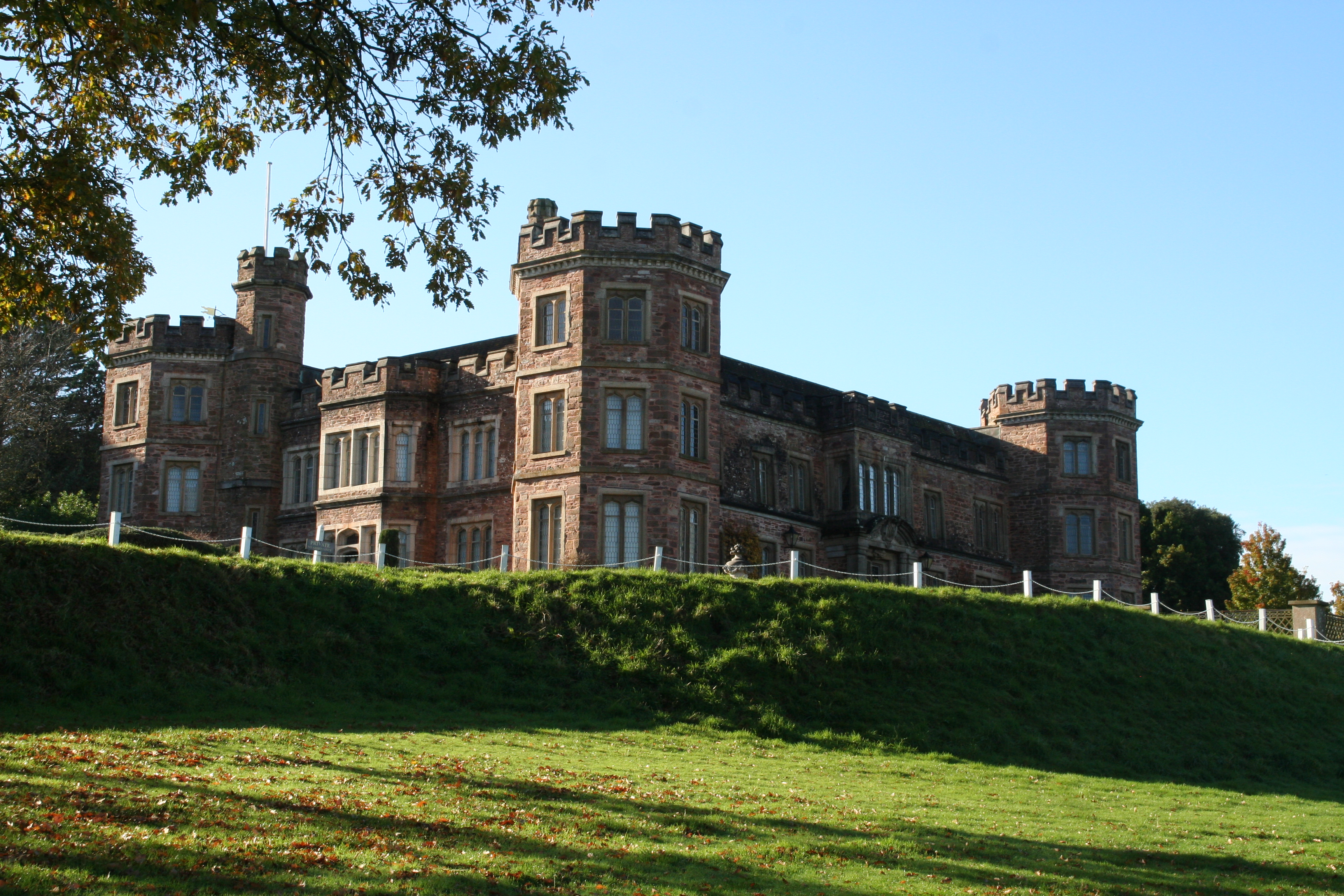 Mount edgcumbe house and country park crylla valley cottages for Mount house