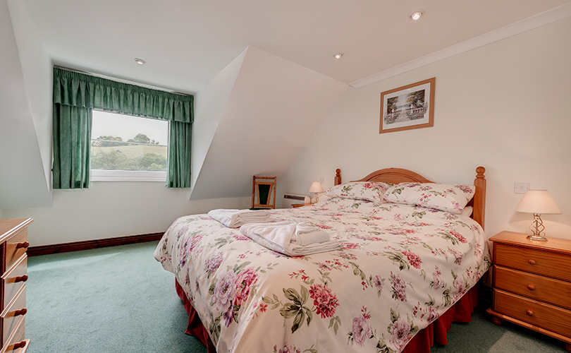 1 Bed Valley View Self Catering Holiday Cottage