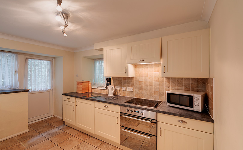 3 Bed Stable Cottage - Self Catering Cottage in Cornwall