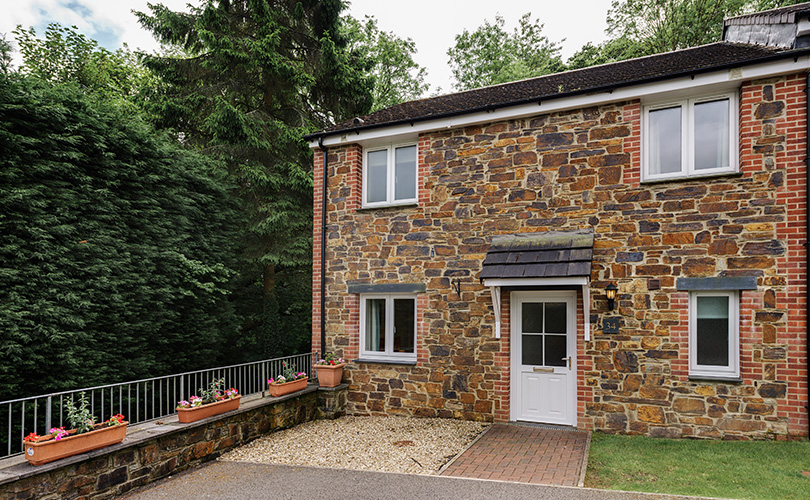 4 Bed Woodland Cottage Cornwall